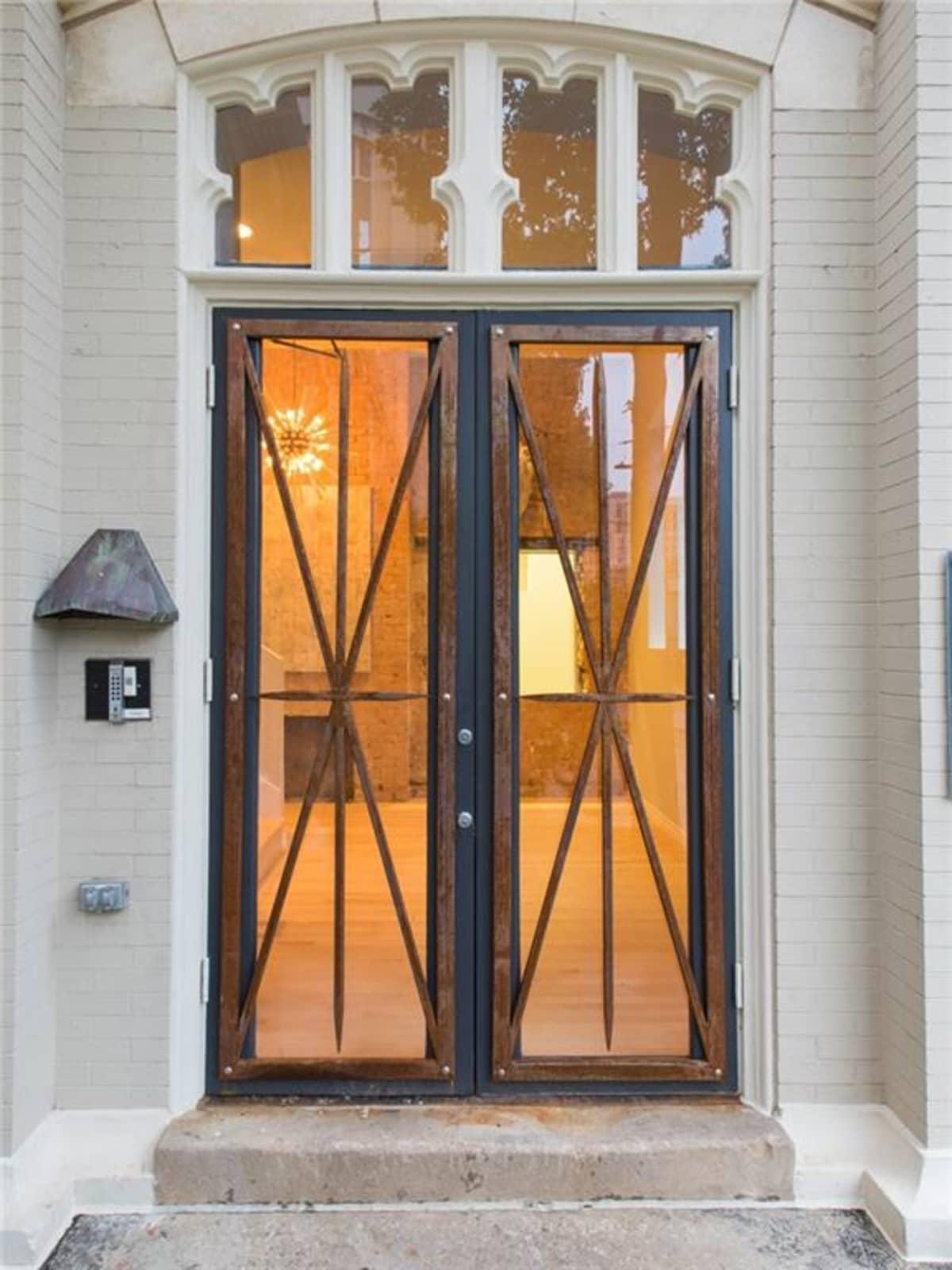 2700 Fairmount St. front doors