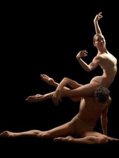 Places_A&E_Dominic Walsh Dance Theater_dancers