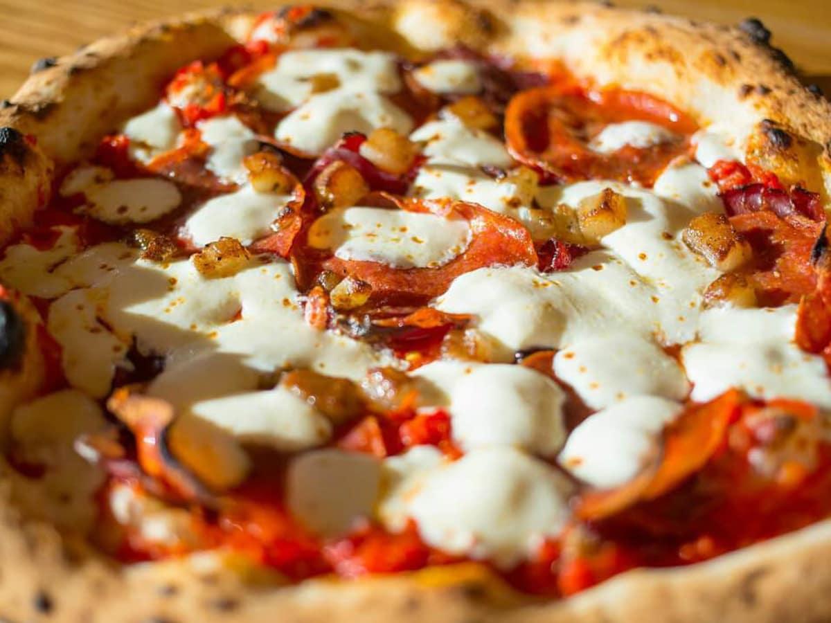 Unit-D Pizzeria pizza Pepperoni Primo