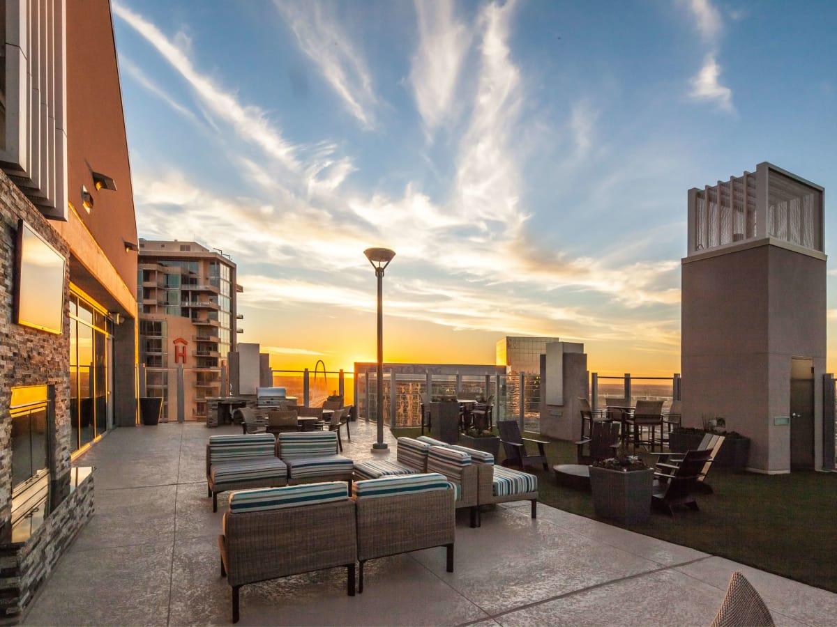 Skyhouse Dallas rooftop
