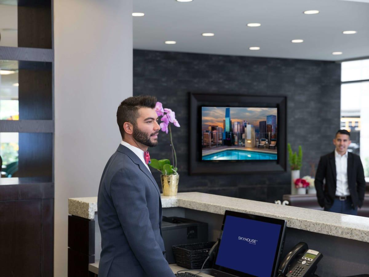 Skyhouse Dallas concierge