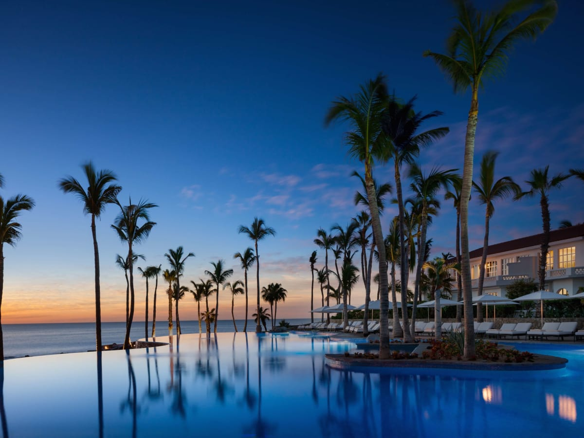 One&Only Palmilla infinity pool at Cabo San Lucas
