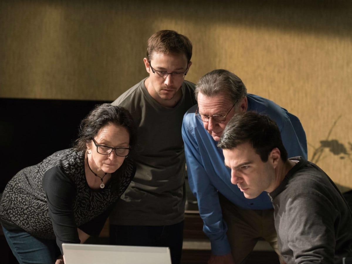 Melissa Leo, Joseph Gordon-Levitt, Tom Wilkinson, and Zachary Quinto in Snowden