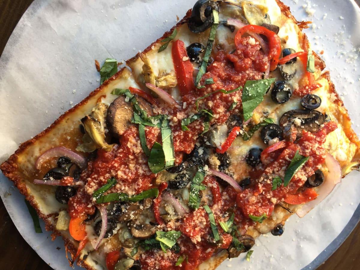 Pizaro's Detroit pizza Motor City