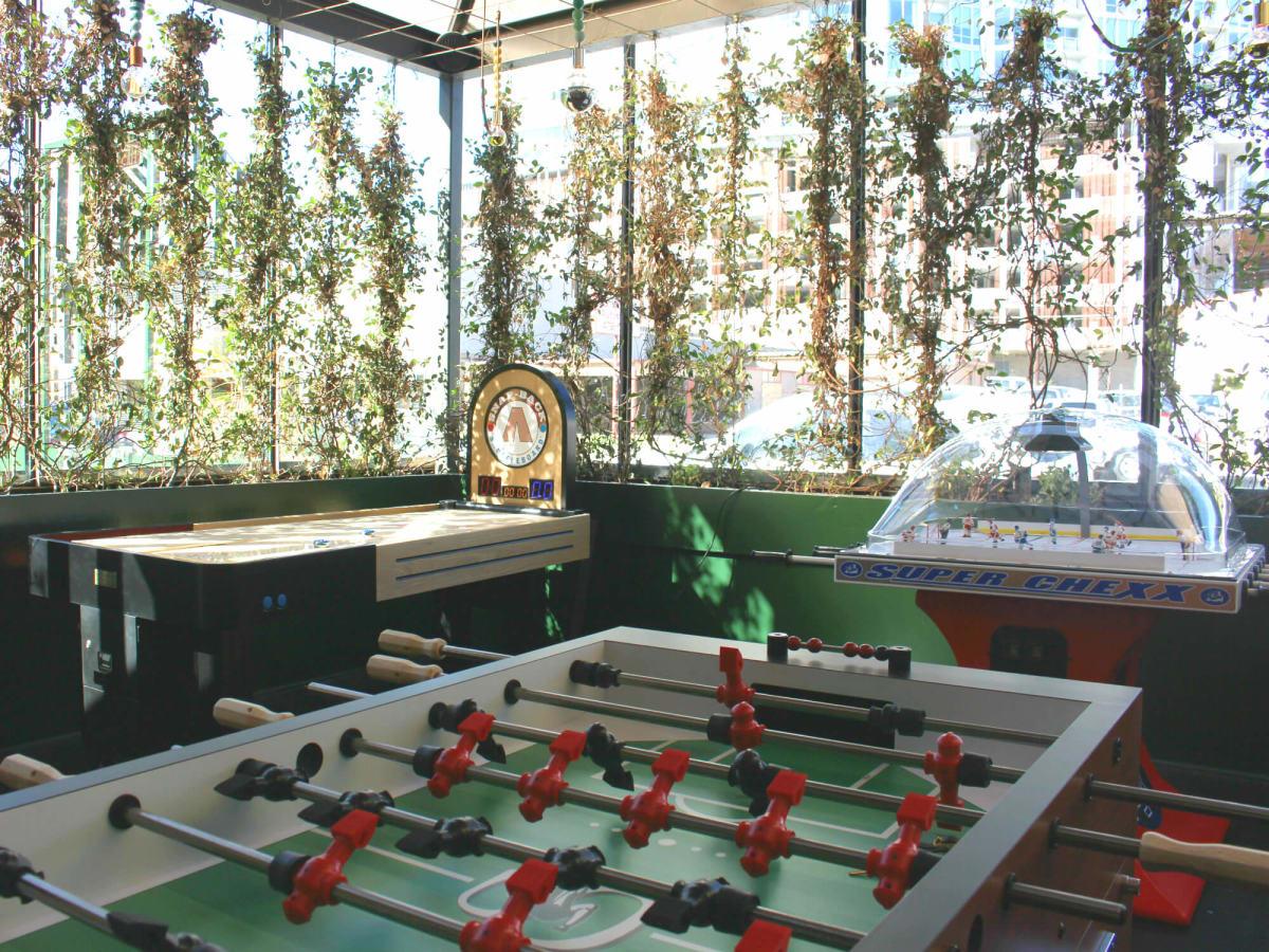 Parlor & Yard bar Dunlap ATX west sixth February 2016 game room