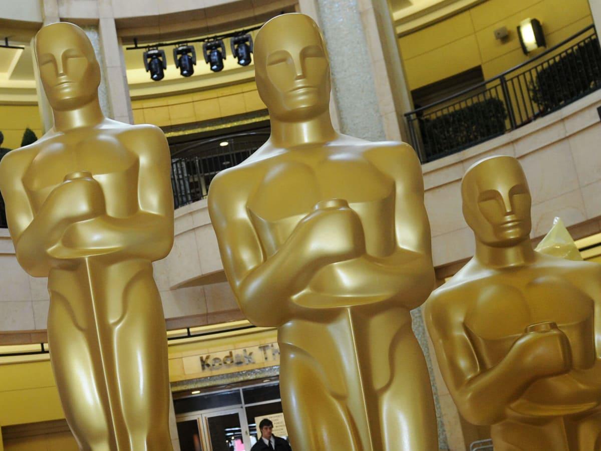 News_Oscars_trophies_By MARK RALSTON