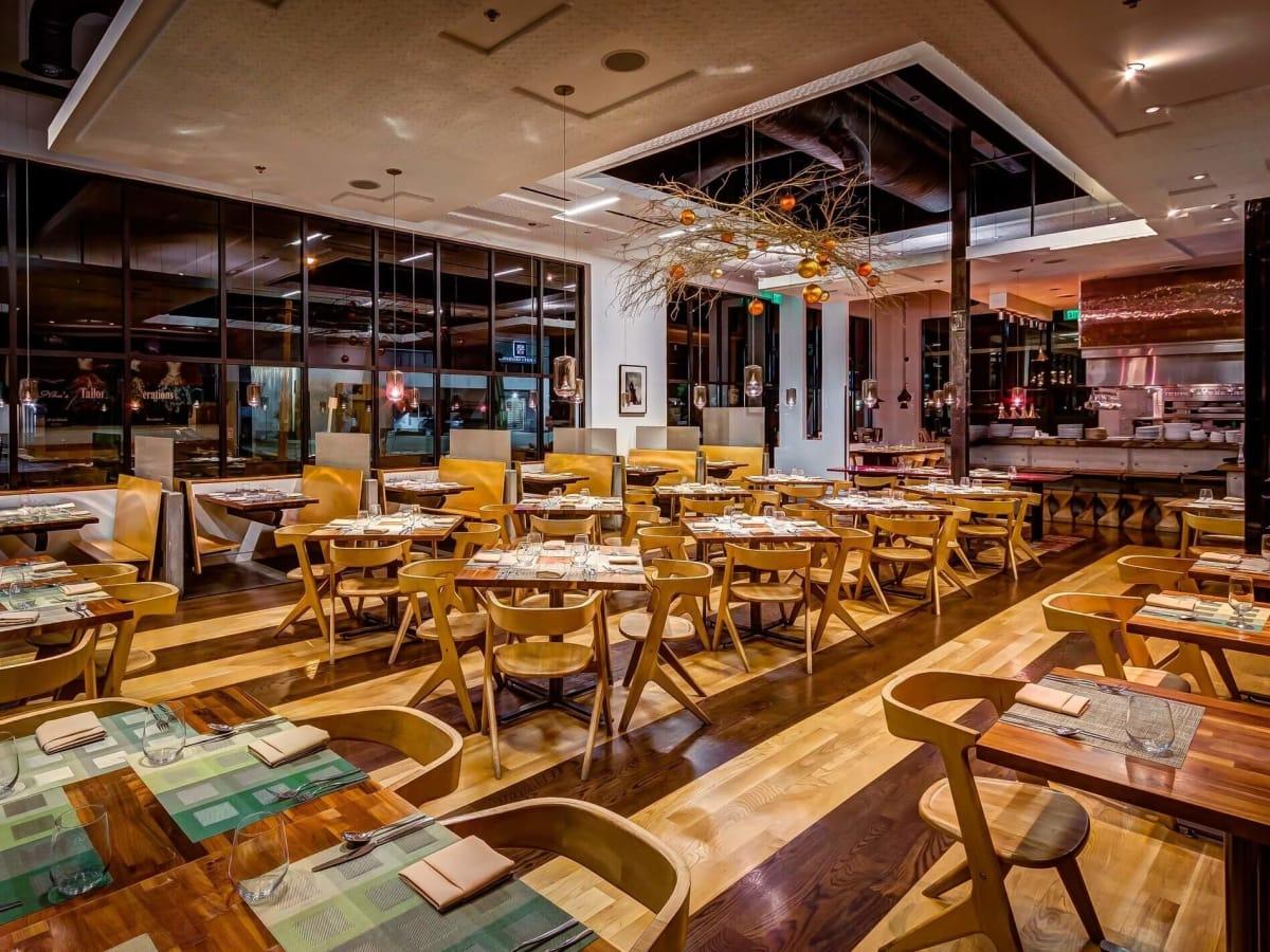Houston, new brunch menus, Jan 2017, Triniti restaurant interior