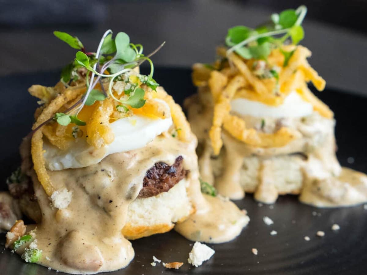 Houston, new brunch menus, Jan 2017, biscuits and gravy Kitchen 713