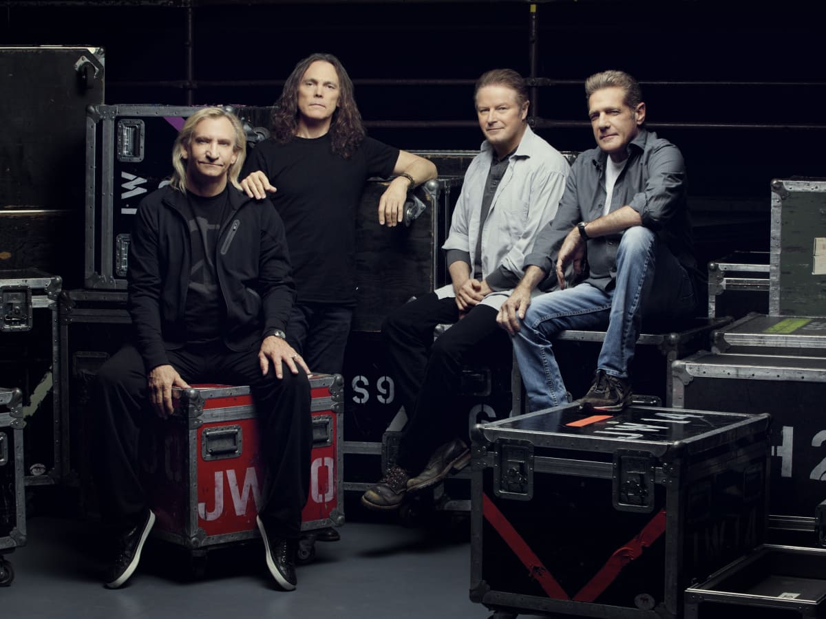 """The Eagles in concert """"History Of The Eagles Tour"""""""