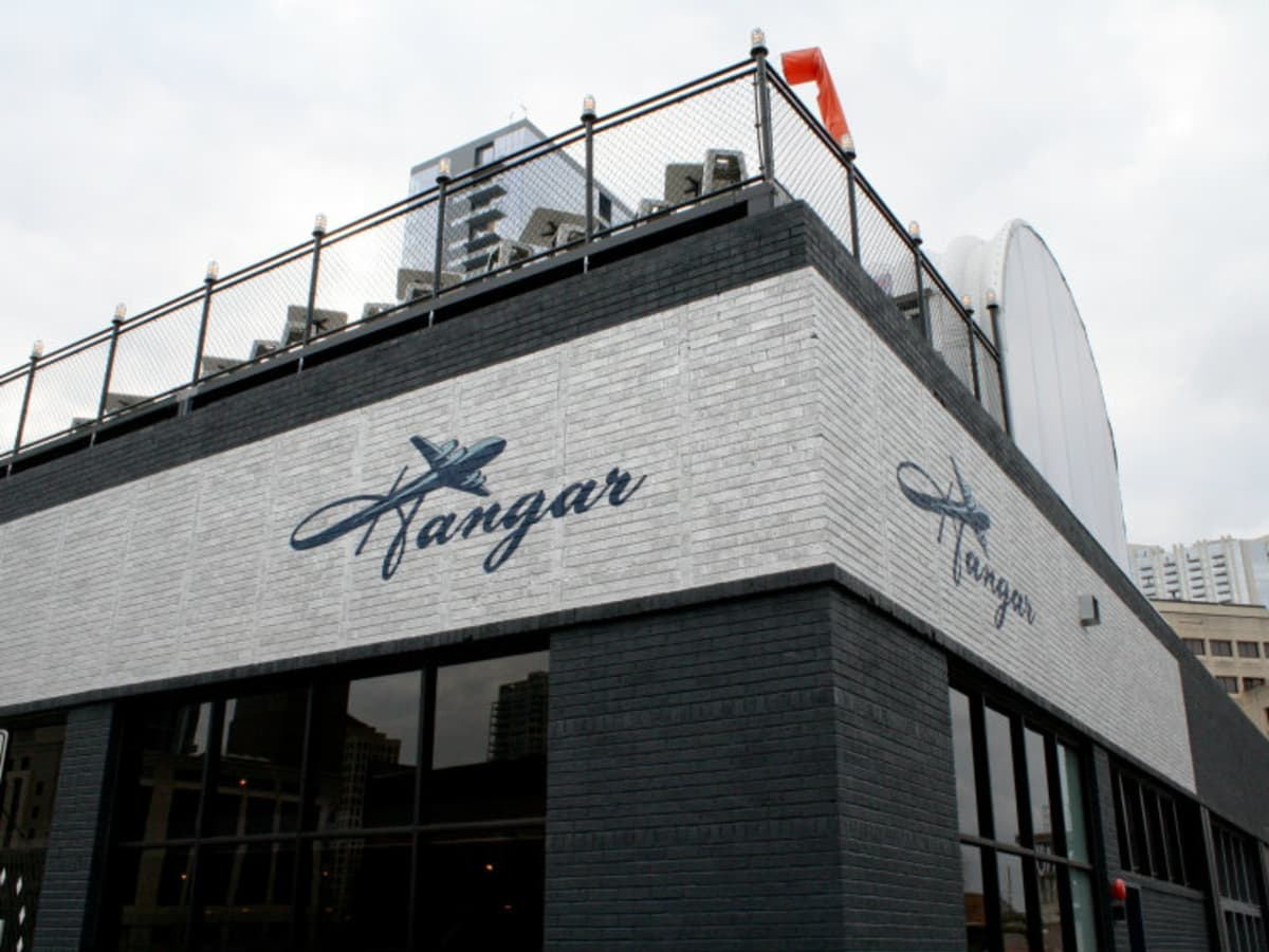 Austin_photo: places_drinks_hangar lounge_exterior