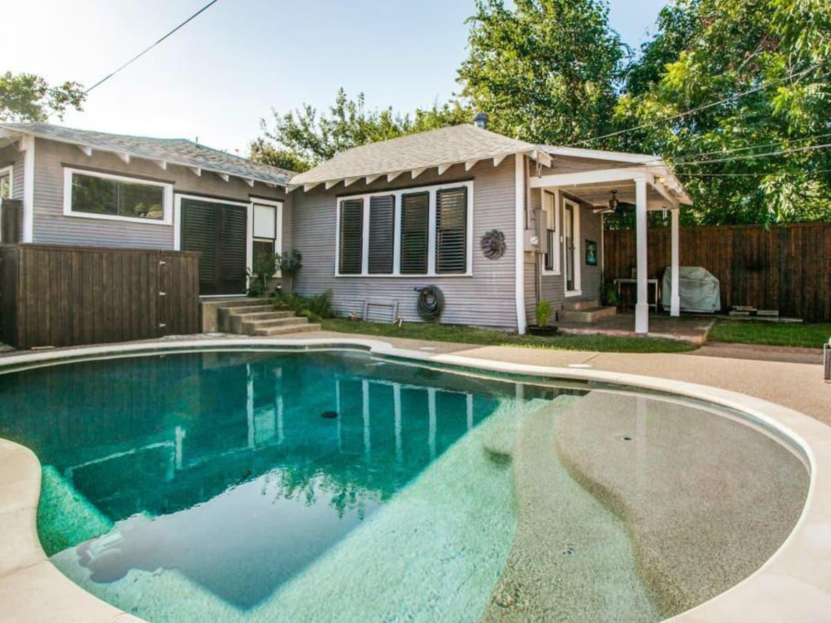 Pool at 114 N. Edgefield in Dallas