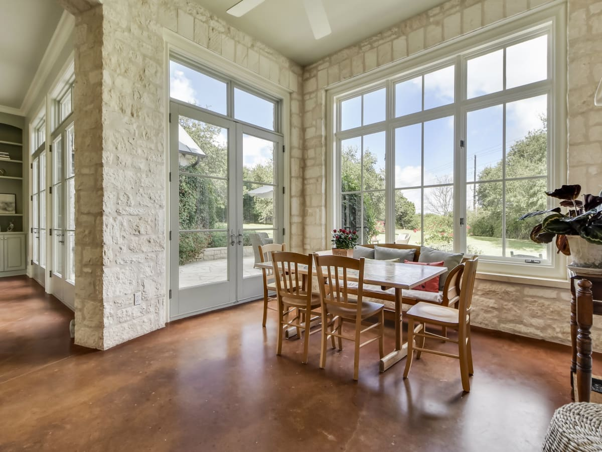 3904 Toro Canyon Rd Austin house for sale breakfast nook