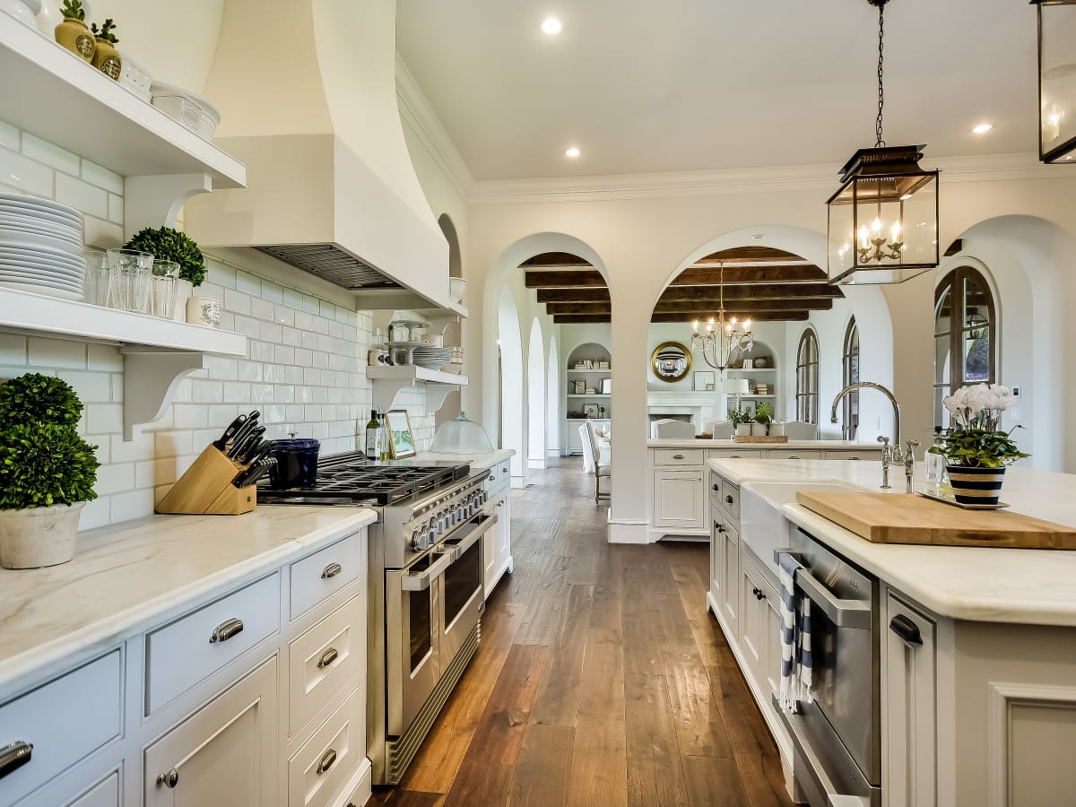 5709 Spanish Oaks Club Austin house for sale kitchen