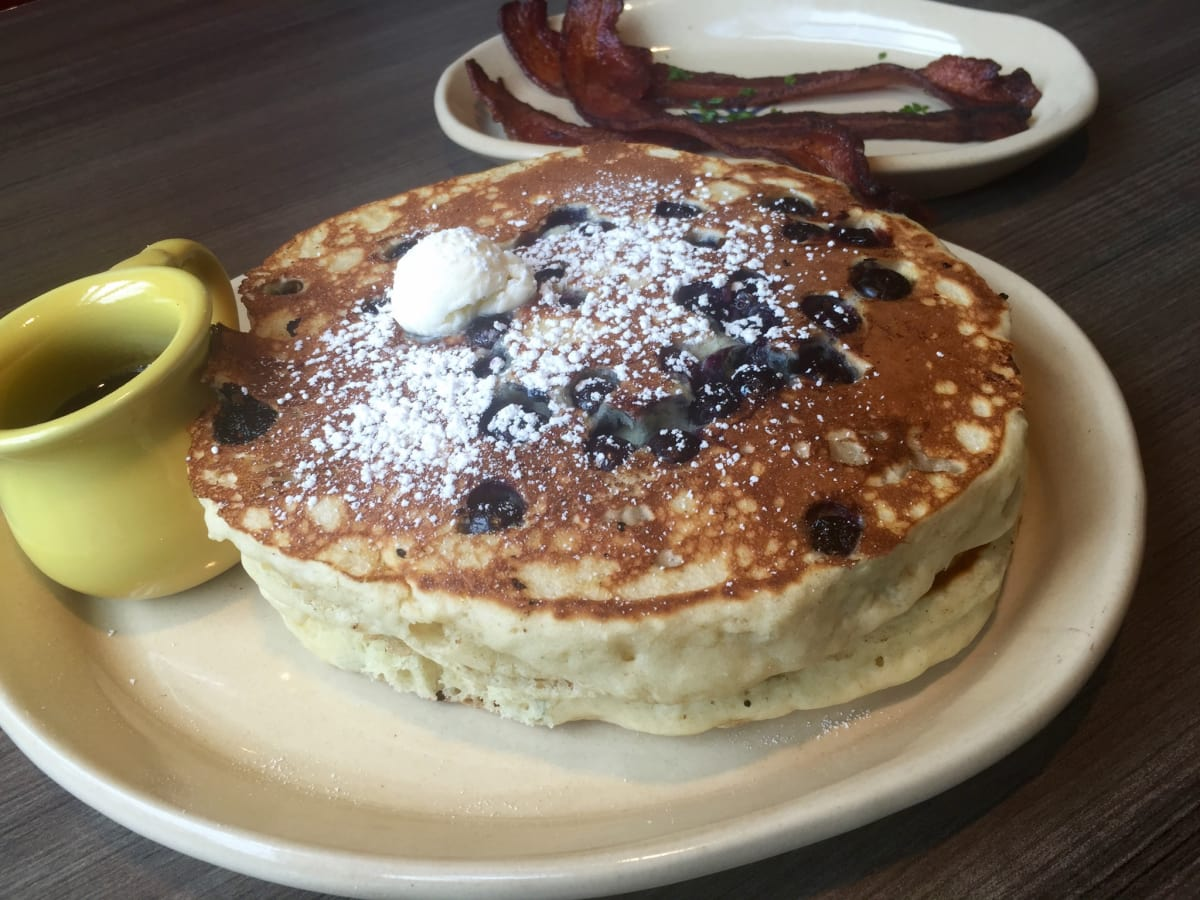 Snooze blueberry pancakes