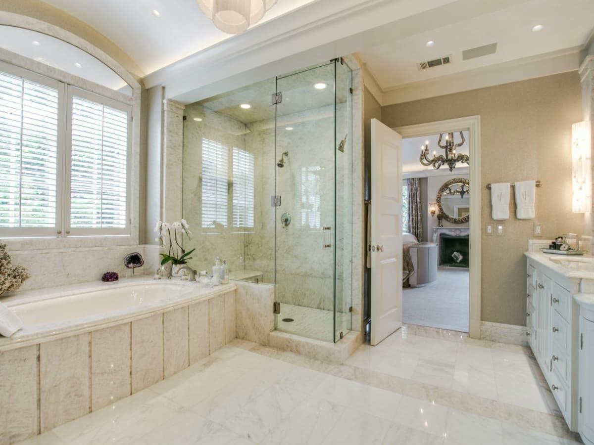 3900 Miramar Ave, Master Bath