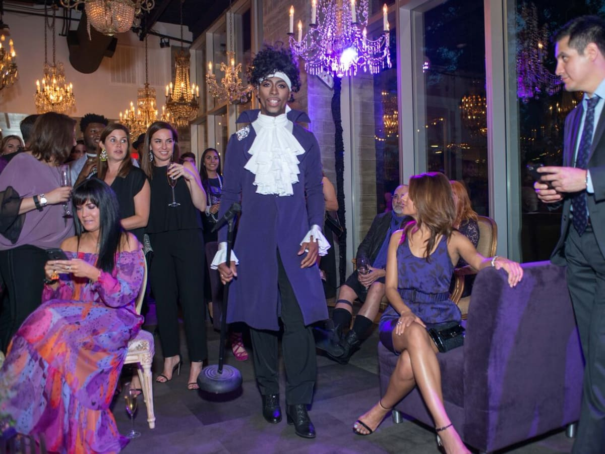 Purple party, Prince impersonator