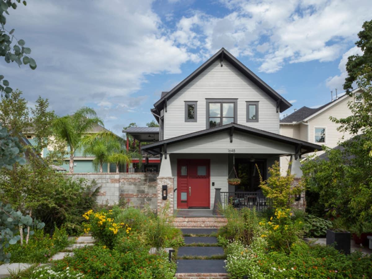 Houzz Houston Heights modern home tour exterior
