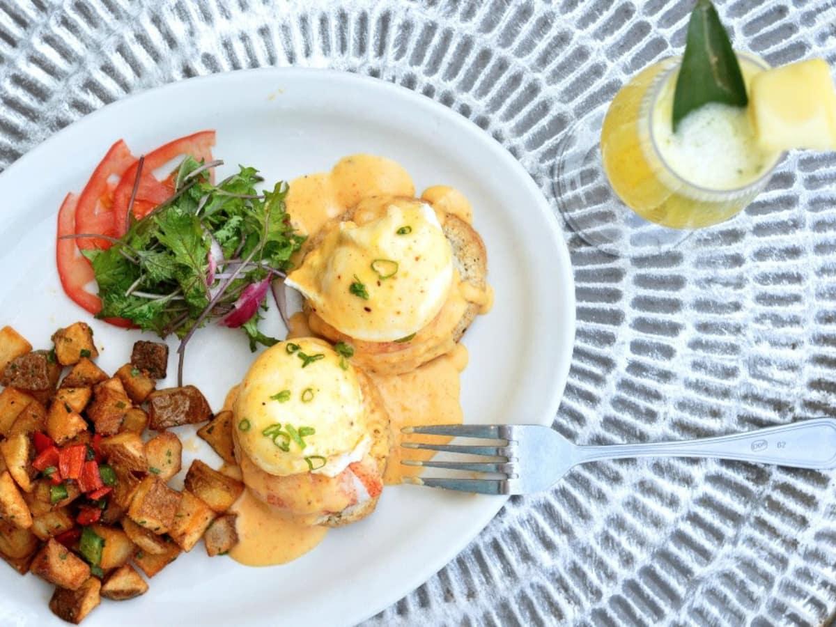 Mongers Kitchen and Market brunch lobster eggs benedict mimosa