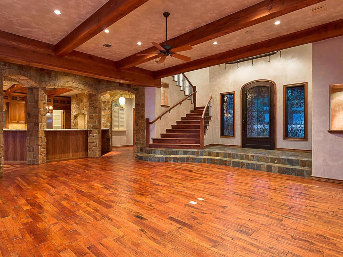 Austin home house 12006 Pleasant Panorama View 78738 Jeff Kent April 2016 entry living room