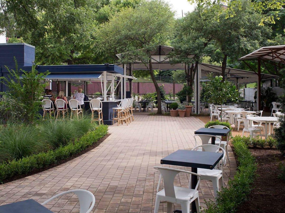 Juliet Ristorante patio