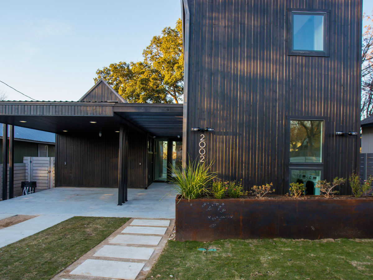 2016 Austin Modern Home Tour house 2002 Peoples Street Newcastle Homes un.box studio front