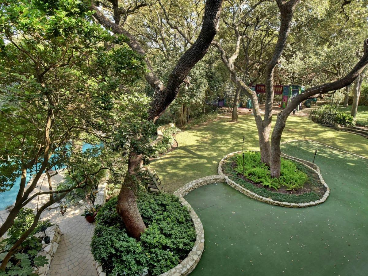 Austin house home Tarrytown 2610 Kenmore Court Ben Crenshaw February 2016 putting green