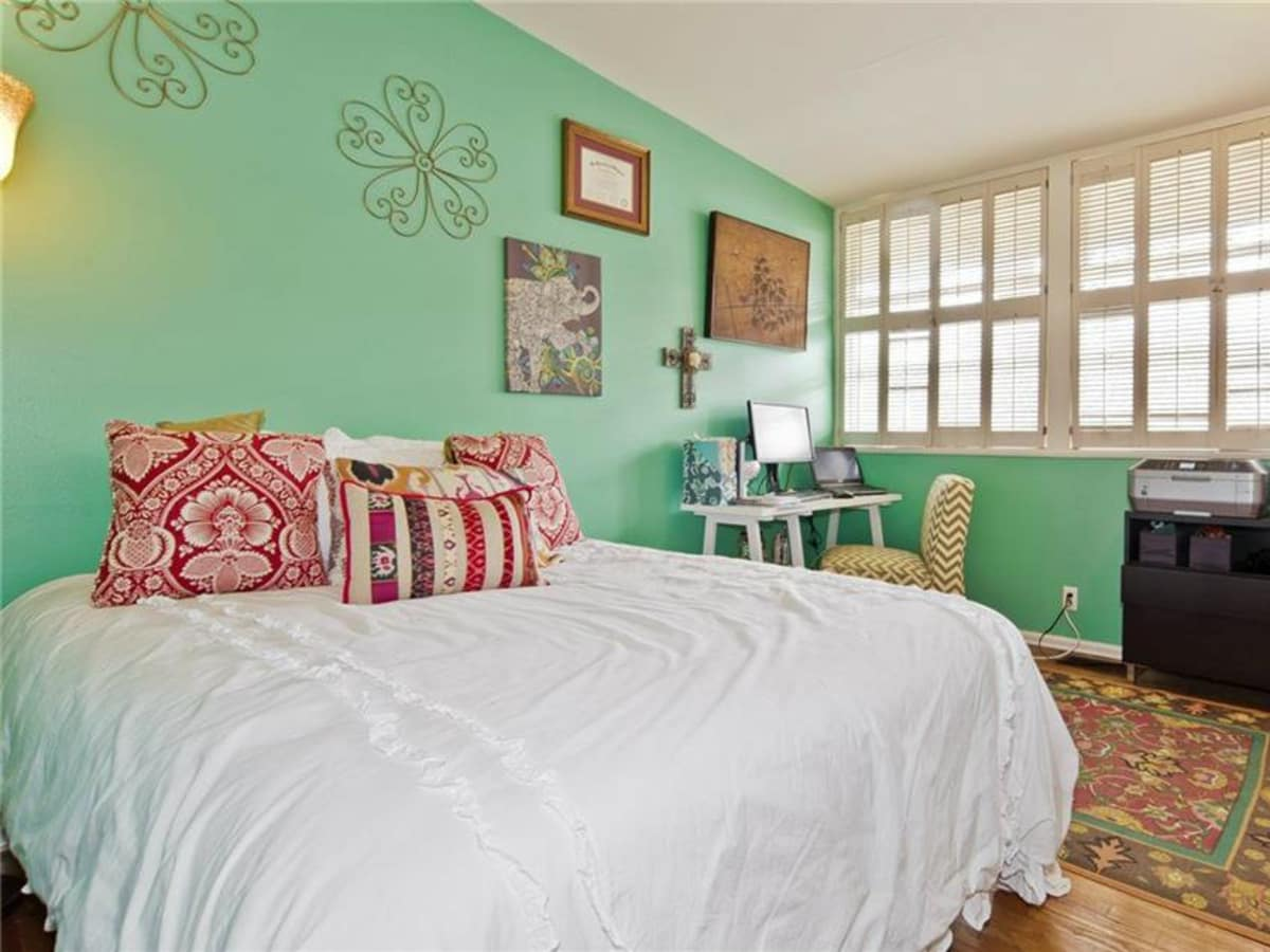 Dallas home, home for sale, 2005 Saint Francis Avenue, bedroom