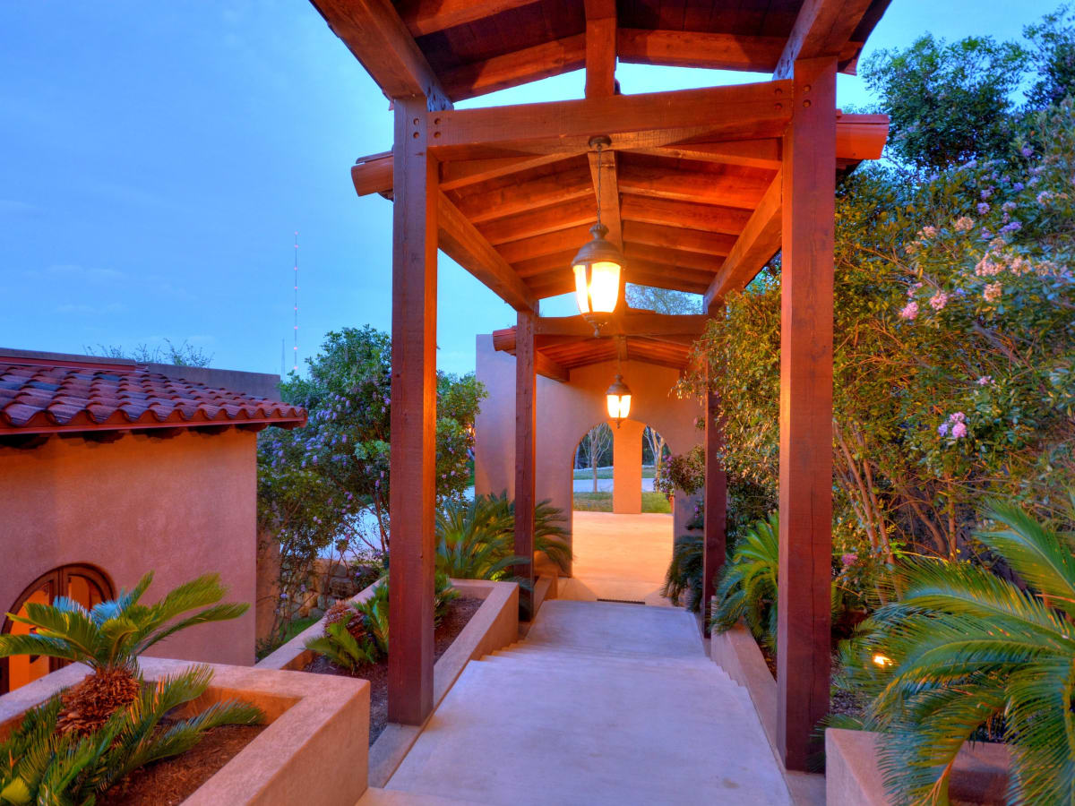 1516 Wild Cat Hollow Austin home house West Lake Hills 2015 courtyard