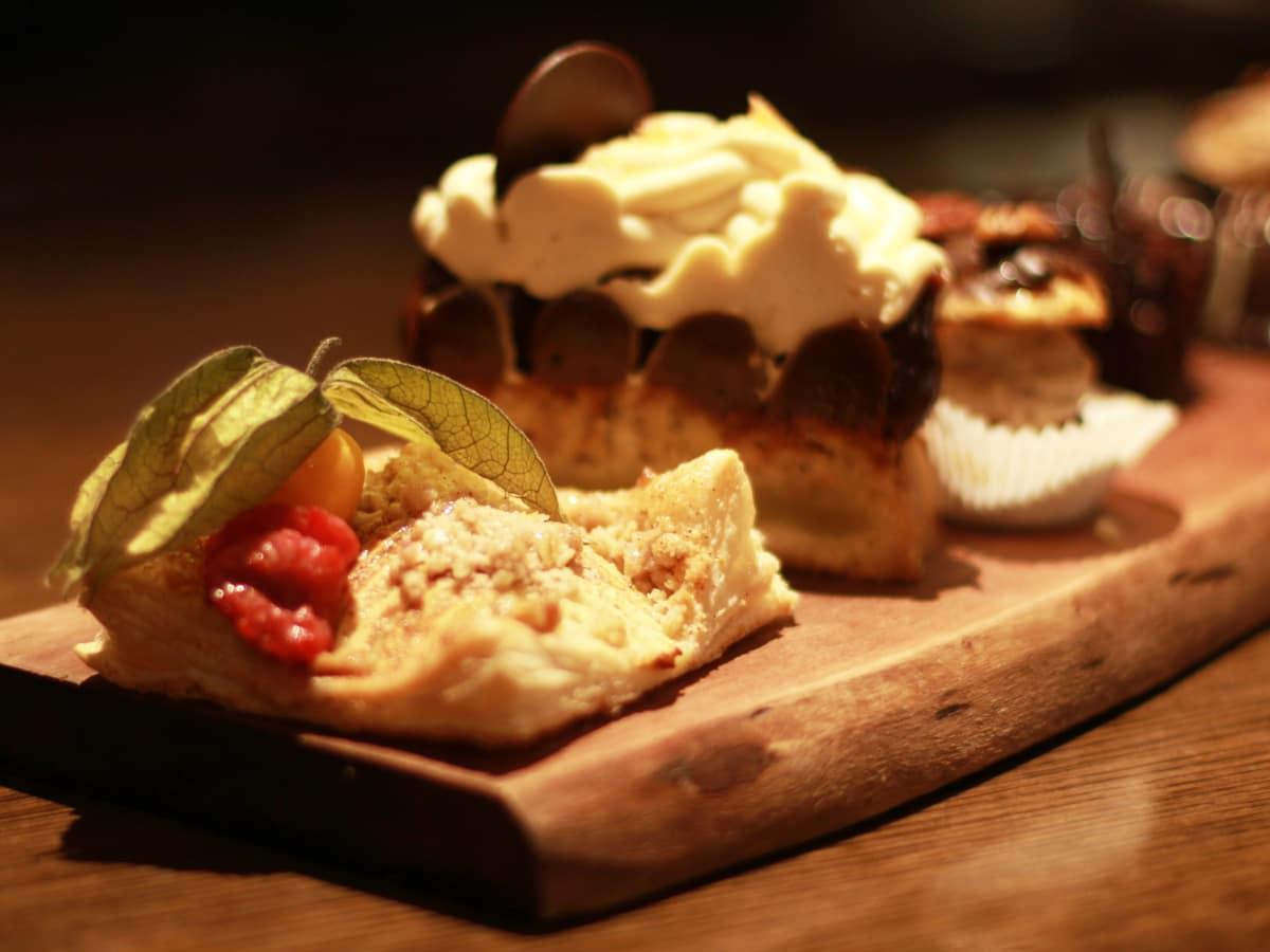 1886 Cafe Driskill Hotel dessert tray 2015