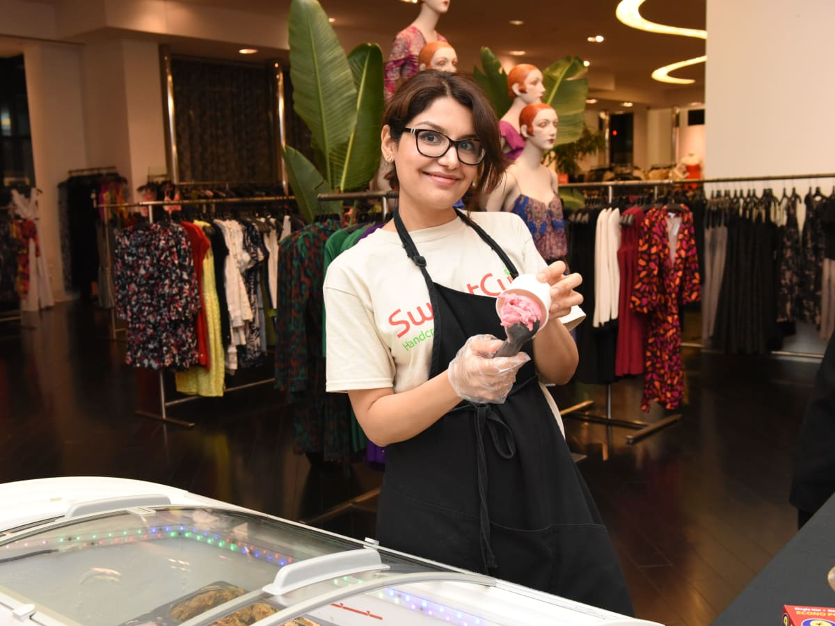 News, Shelby, Women of Wardrobe Back to School, Aug. 2015, Jasmine Chida with Sweet Cup