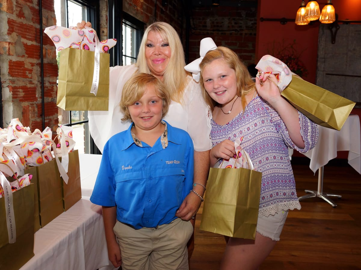 Houston, Roseann Rogers and Lara Bell birthday party, August 2015, Lara Bell, Dylan Milam and Brooks Milam