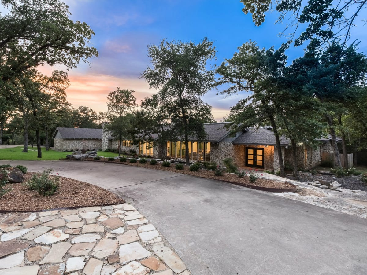 3605 Indian Trail 2