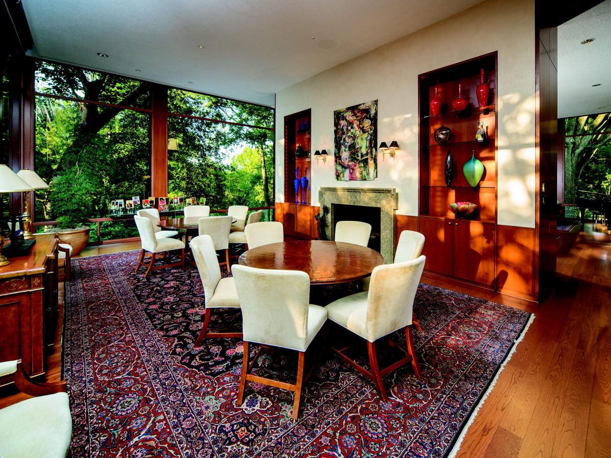 2930 Lazy Lane dining room