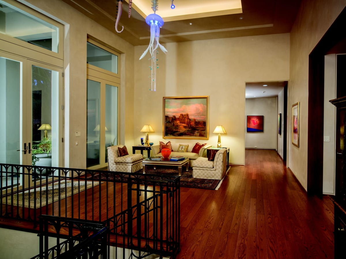 2930 Lazy Lane entry room