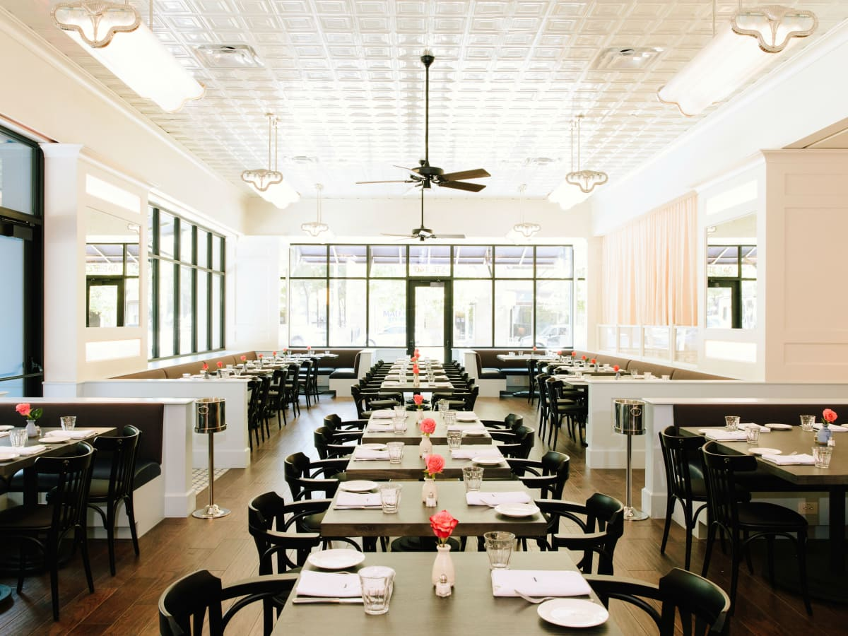 Le Politique Dining Room