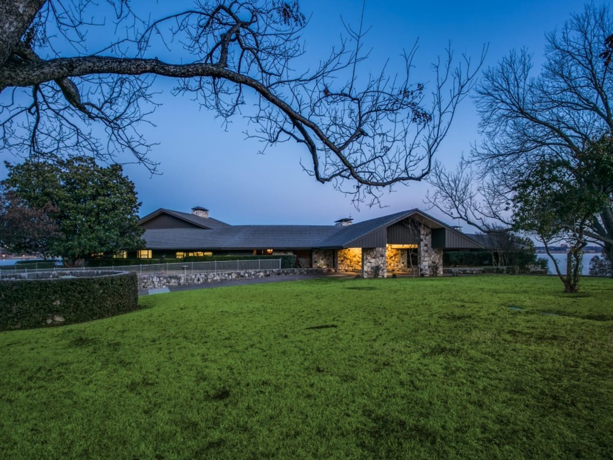 4606-chapel-hill-rd, white rock, mansion for sale