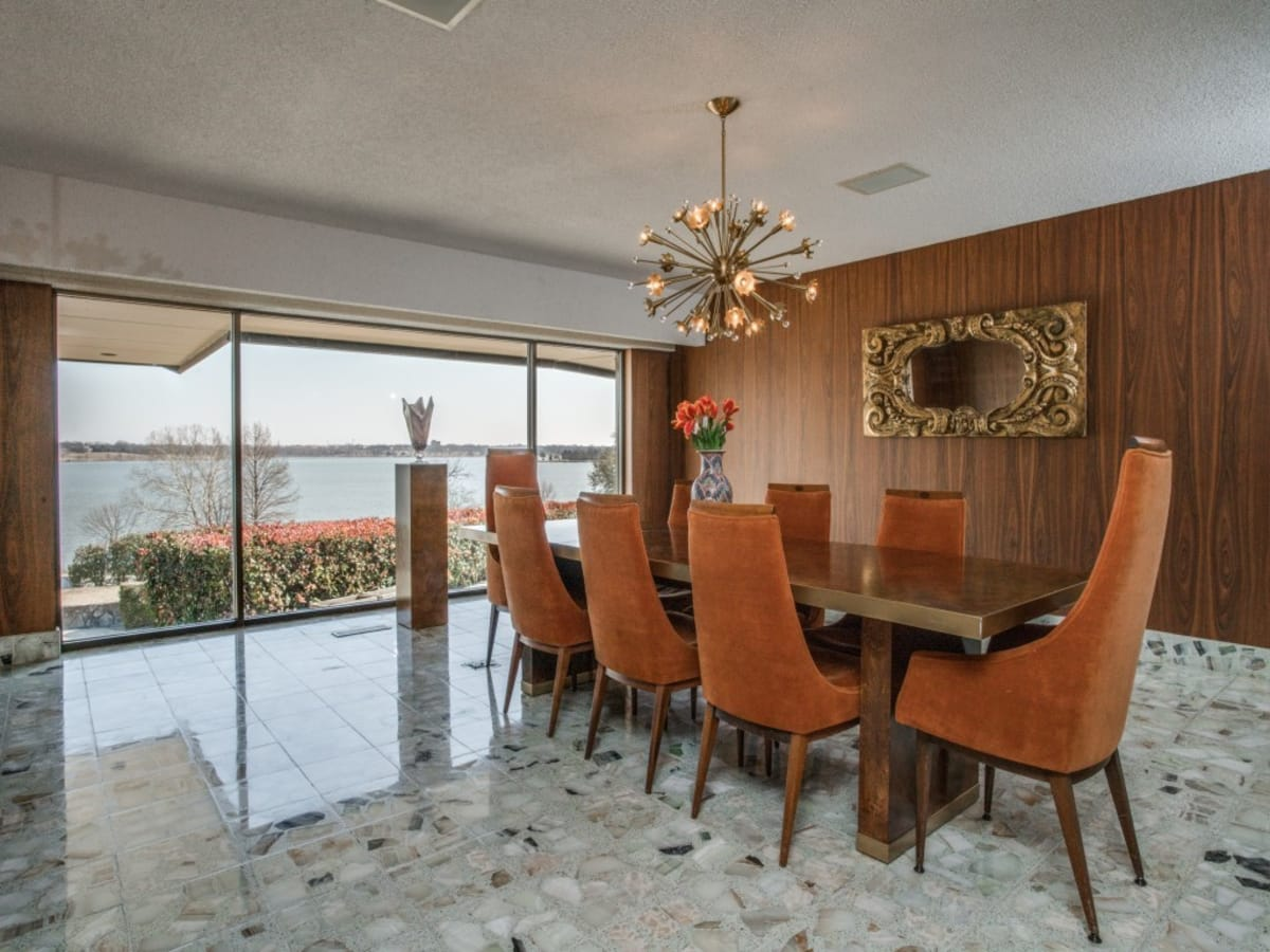 4606-chapel hill rd, white rock, mansion for sale