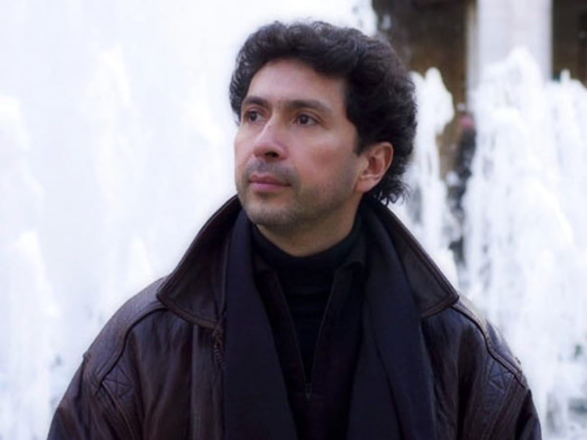 News_Enrique Carreón-Robledo_Opera in the Heights_new conductor