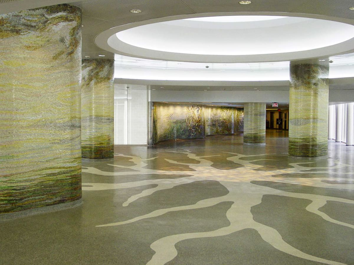 News_Decorative Center winners_Dixie Friend Gay_columns and mural setting
