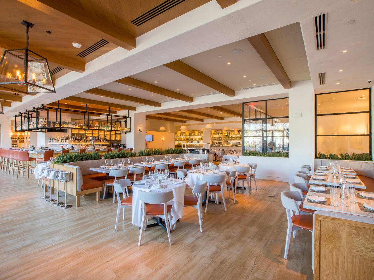 Fig & Olive Galleria interior