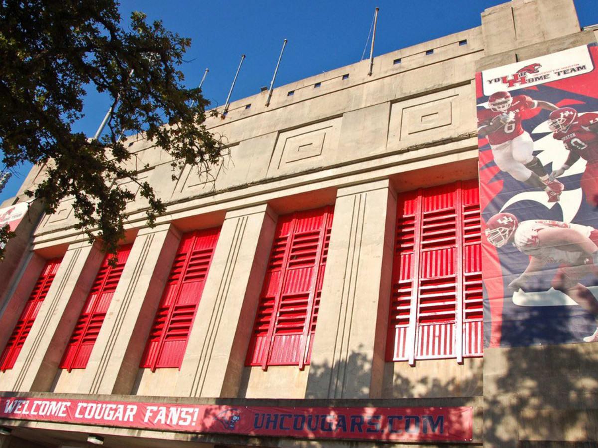 Places-Unique-Robertson Stadium exterior-1