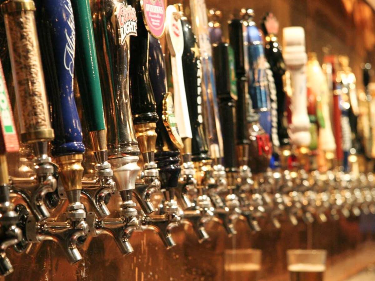 News_pub crawl_beer taps_beer