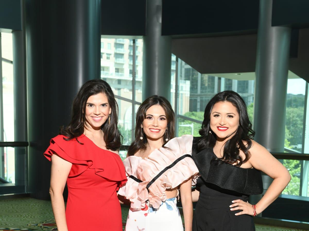 Gloria Luna Bounds and Daisy Mendoza