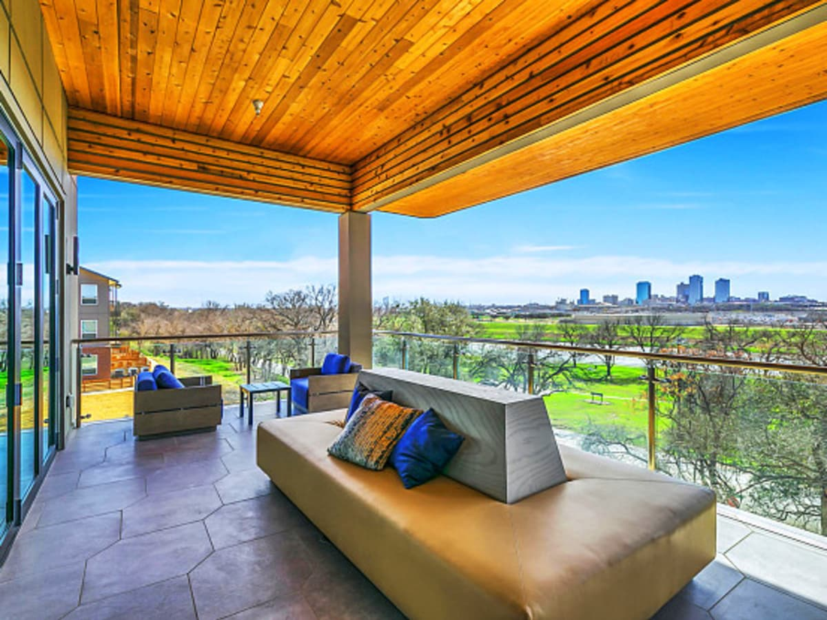 Scenic at River East apartment Fort Worth