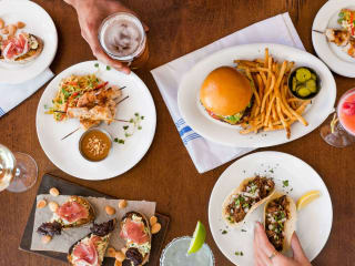 Paul Martin's American Grill happy hour