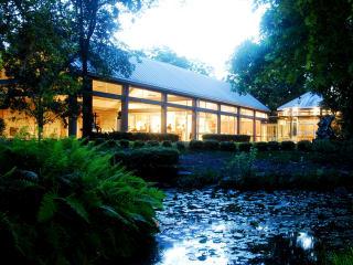 UMLAUF Sculpture Garden & Museum presents After Dark