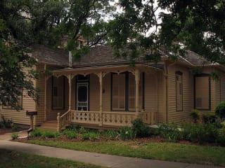 Austin Photo: Places_Arts_O_Henry_Museum_Exterior