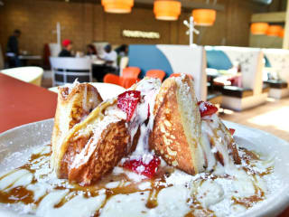 Snooze A.M. Eatery breakfast brunch restaurant french toast