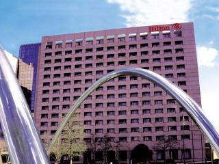 Places-Hotels/Spas-Hilton Houston Post Oak