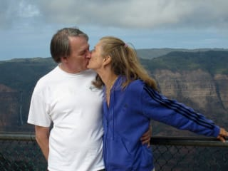 News_Shelby_Romance_Randy Chapman_Debra Danburg_kissing
